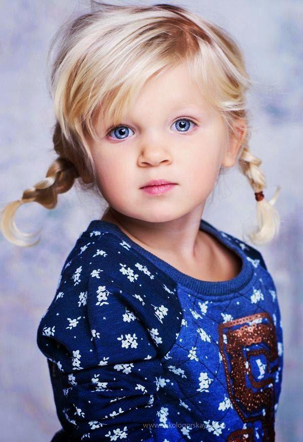 Download gambar anak kecil berambut pirang
