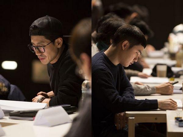 """Pada 22 Desember 2016 lalu, tim produksi menggelar pembacaan naskah dan ritual gosa untuk film Korea """"Room 7""""."""