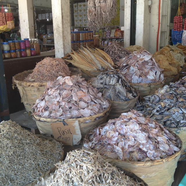 dried seafood at the Tabo-an Dried Fish Market