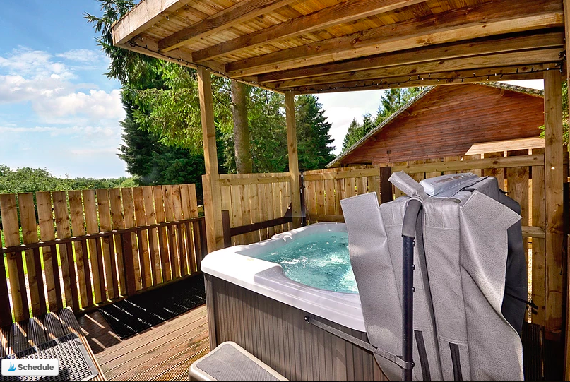 20 Lodges with Hot Tubs within a 90 minute drive of York  - Rocklands Lodges