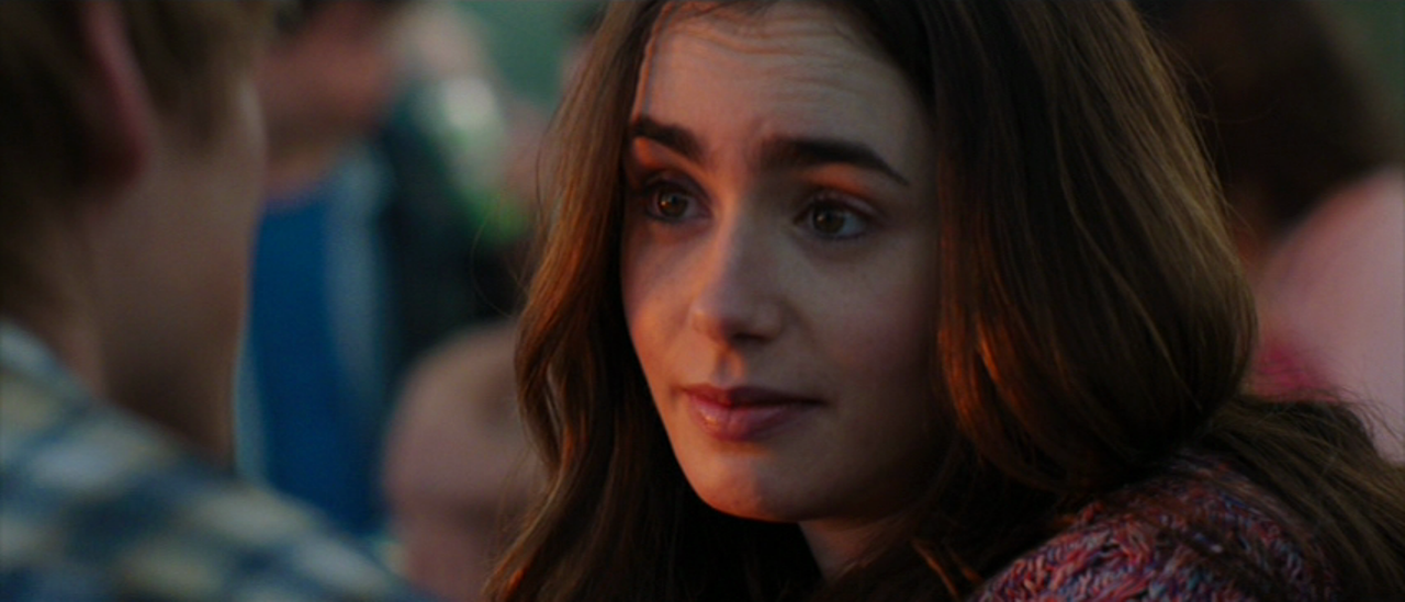 Movie and TV Cast Screencaps: Lily Collins as Rosie Dunne ...