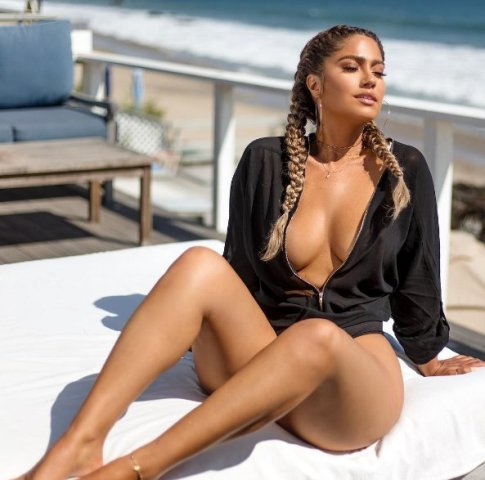 "Jessica Burciaga, la ""doble"" sexy de Jennifer López"