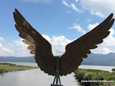Arte Popular  hecho con Fibras Vegetales a las orillas del Lago de Pátzcuaro