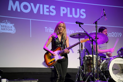 ItsNotYouItsMe Tuesday Textures Showcases Sheryl Crow Covering Linda Ronstadt Tunes At Documentary's Tribeca Premiere!