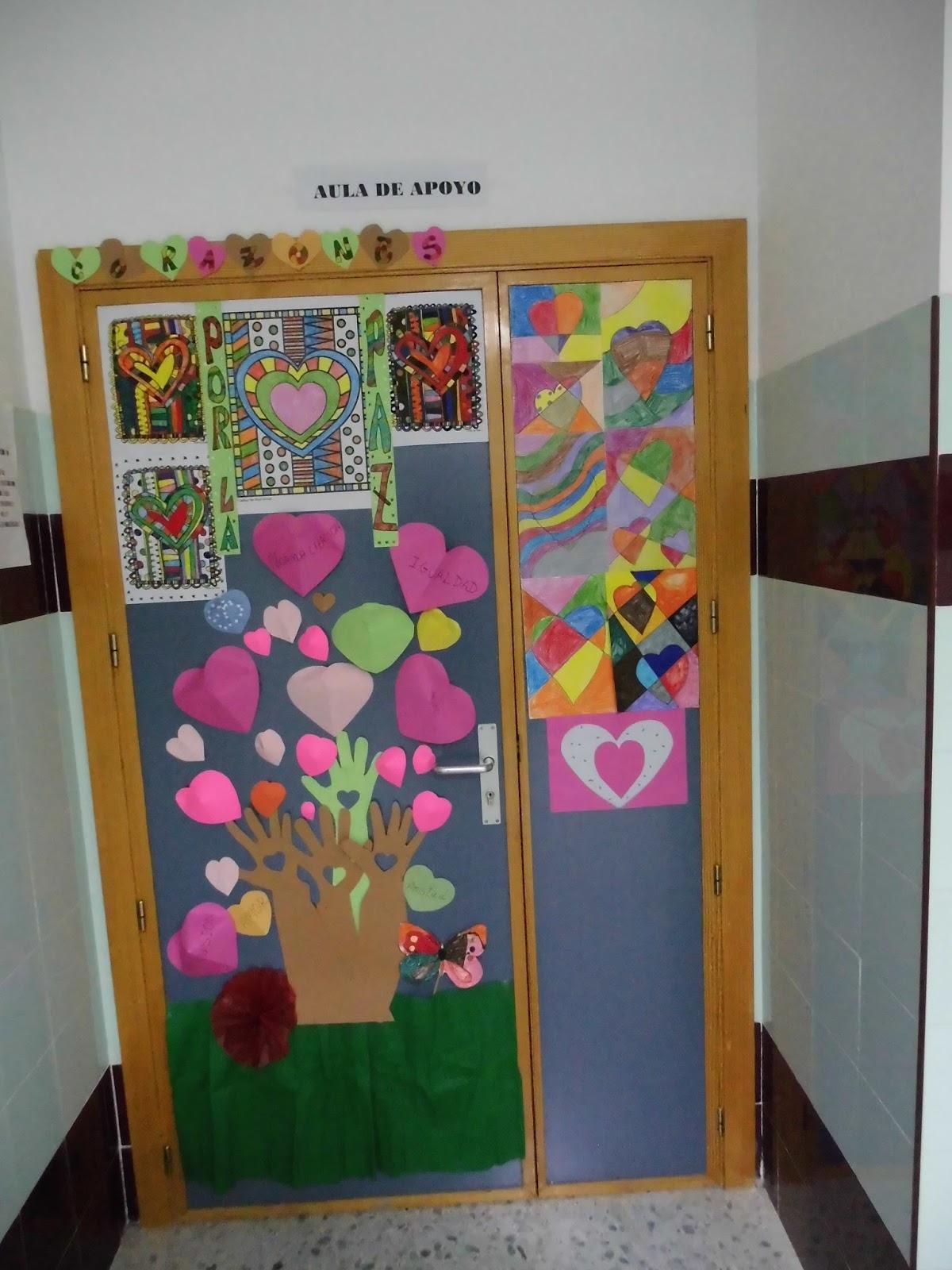 Puertas para la paz for Puertas decoradas para el dia del libro