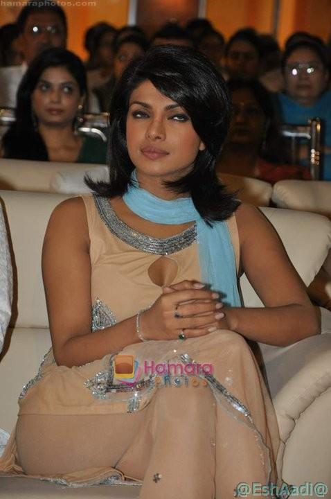 Indian Actress Pantyless Photos