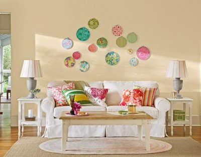 Pratos decorativos na parede