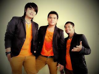Chord Gitar dan Lirik Lagu Batak - Dongani Ma Au - The Boys Trio