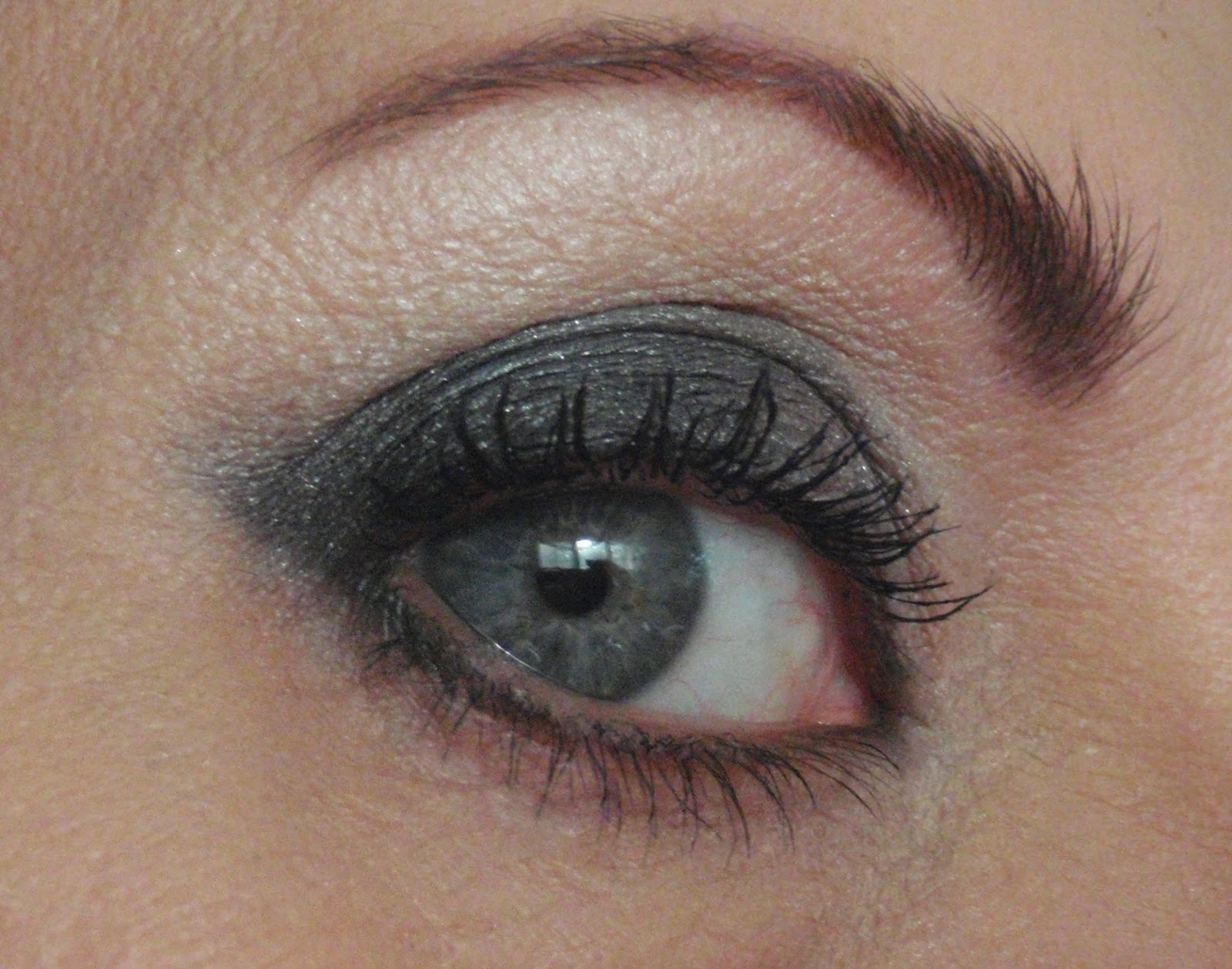 easy smokey eye shadow