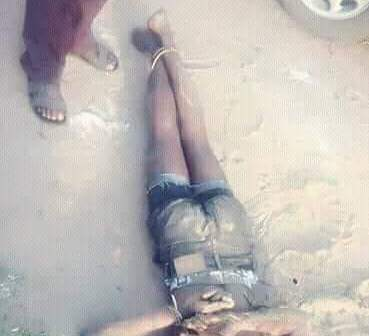 Photos: Suspected cultist beaten to death by rival group in Delta State after bullets failed to penetrate his body