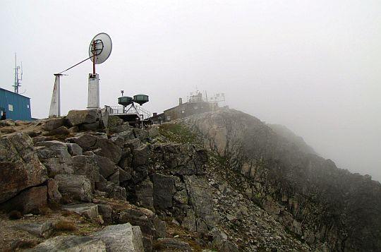 Widok na szczyt od południa.