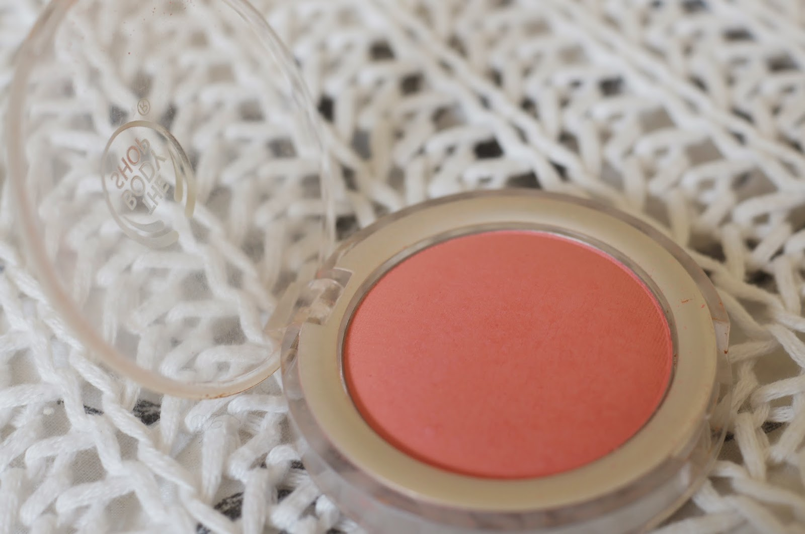 The Body Shop All In One Cheek Colour shade Macaroon