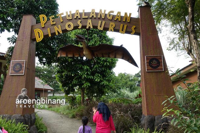 petualangan dinosaurus taman legenda keong emas tmii