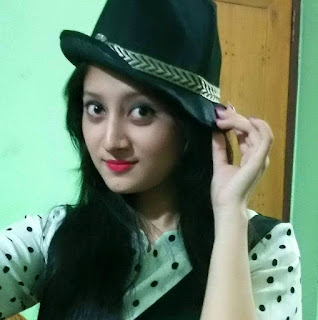 Puja Cherry Roy Cool Selfie