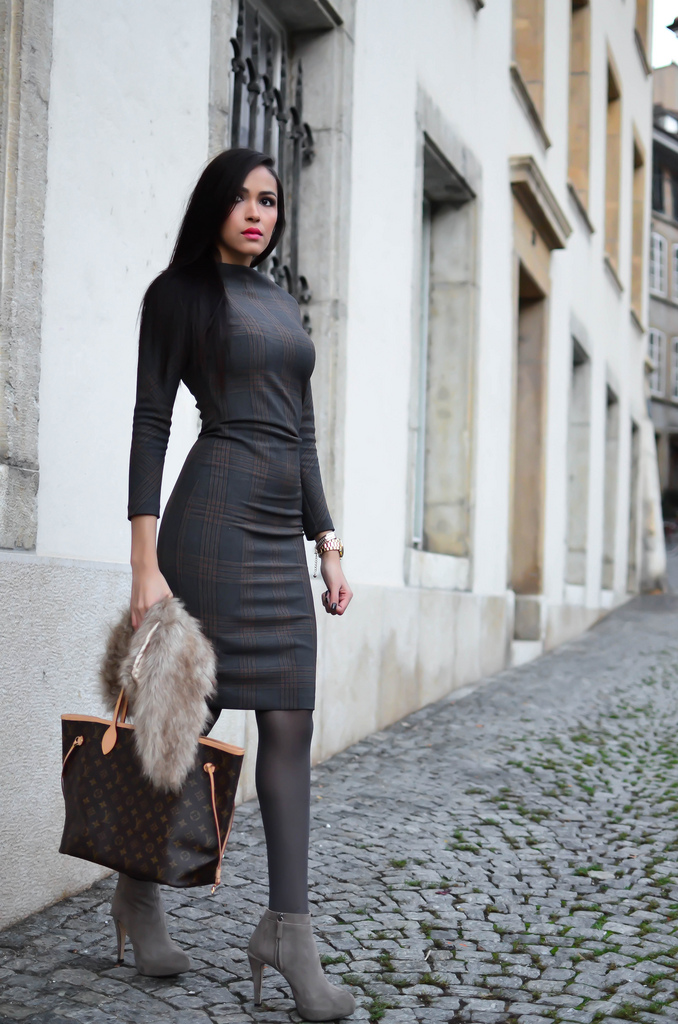 Fabulous Dressed Blogger Woman Patricia From Brazil-8820