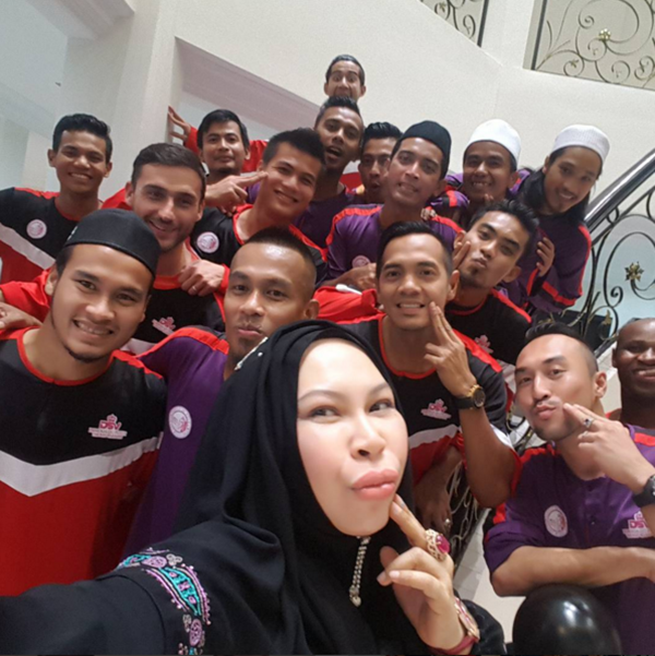 Terbongkar! Akhirnya Dato Seri Vida Bawa Pemain PQPTRW 'Mandi Bunga'... Rupanya Inilah Sebabnya!!