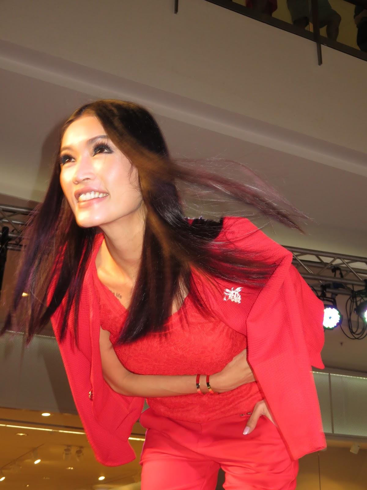 WS Teh Photography: Celebrity : Amber Chia Mahkota Parade