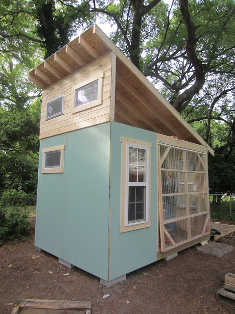 Relaxshacks Tiny House Building Workshop In