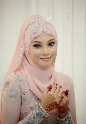 cara memakai jilbab untuk kebaya