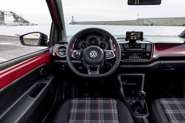 Volkswagen Up! GTI - interior