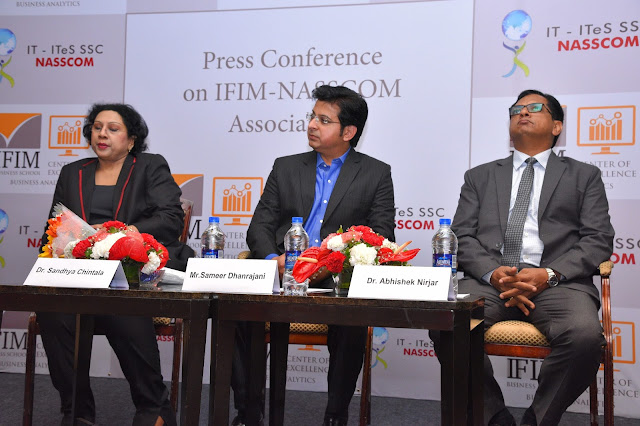 (From L to R) Dr. Sandhya from NASSCOM, Mr. Sameer from Fractal Analytics and Dr. Abhishek from IFIM Business School