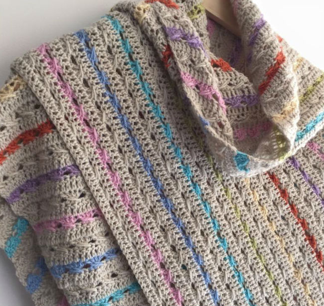 Cable Stitch Shawl, pattern Happy in Red, photo by Daisy Boo Creations