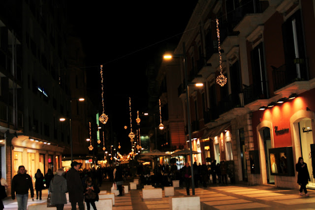 luminarie, luci di Natale, Natale 2017 a Bari, Bari, persone , gente