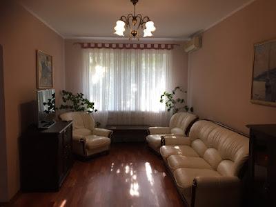 3-комнатная квартира на мкр. Солнечном 3/9 эт. дома с капитальным ремонтом