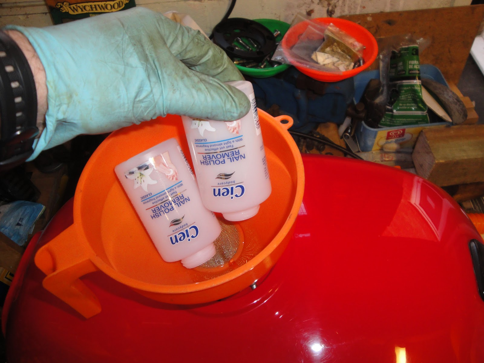 TriMotoRevival: Lining Petrol Tank 1