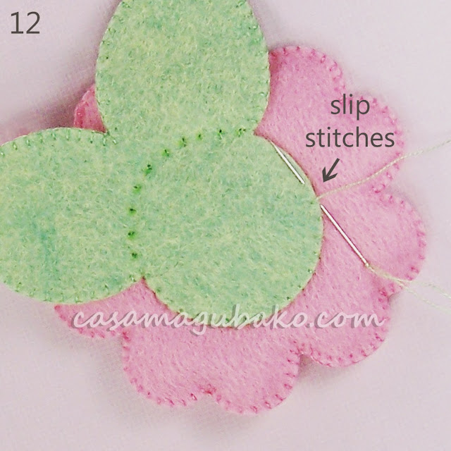 Felt Flower Tutorial - Stitching Leaves by casamagubako.com