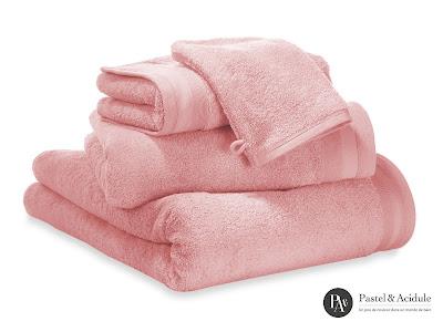 melting poe un peu de douceur et de luxe avec le linge de bain pastel acidul. Black Bedroom Furniture Sets. Home Design Ideas