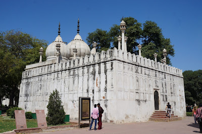 Masjid yang digunakan di dalam benteng