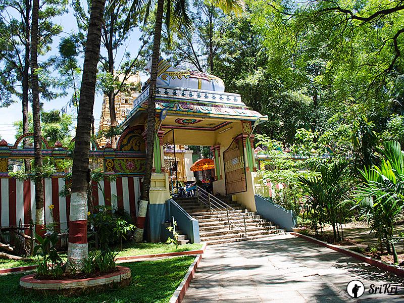Nandhi Entrance