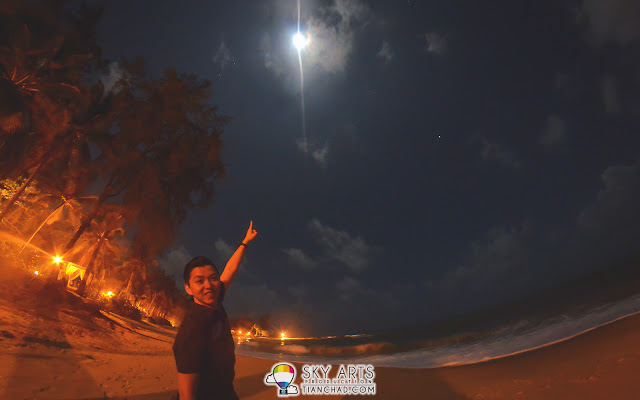 It was a windy night accompany with the sound of waves and bright moon at Tanjong Jara Beach