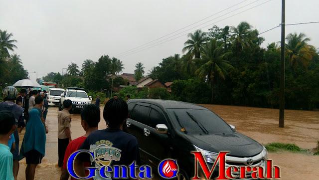 Akibat Banjir di Lamteng, Dua Orang Tewas dan Hanyutkan Kendaraan