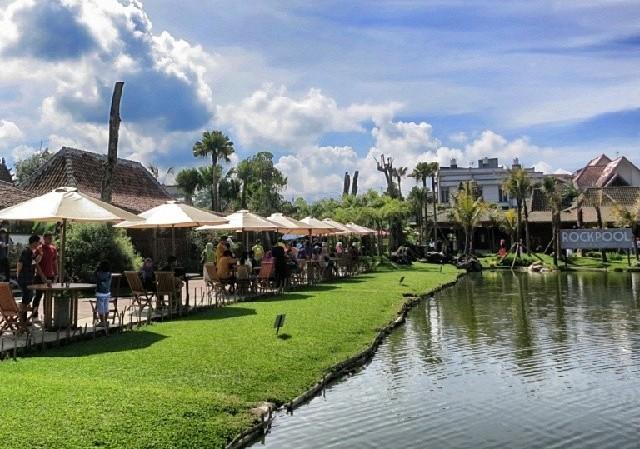 Berkunjung ke Floating Market Lembang dengan paket wisata bandung