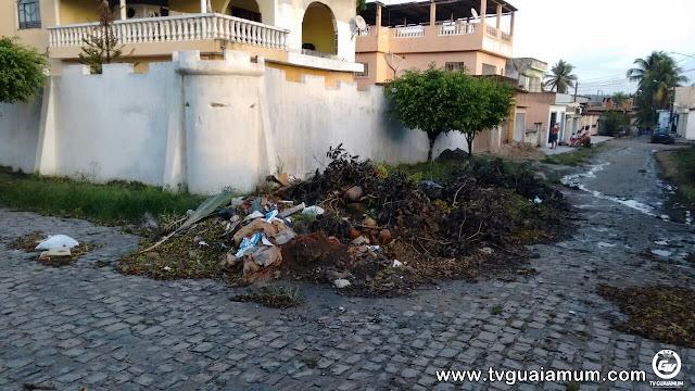 Denuncia: Moradores reclamam do acúmulo de lixo e entulho em ruas da Cidade Nova