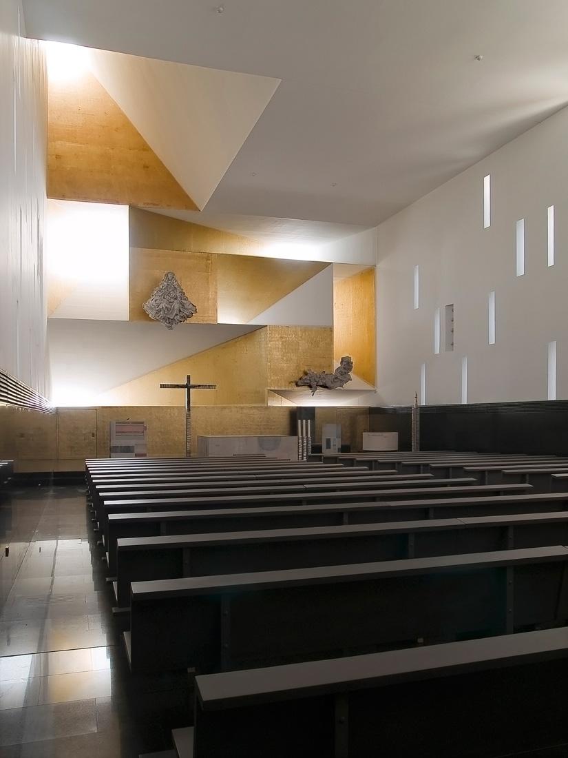 Iglesia de Santa Mnica de Vicens Ramos  Arquitectura y Diseo  Los mejores interiores y casas de diseo del mundo