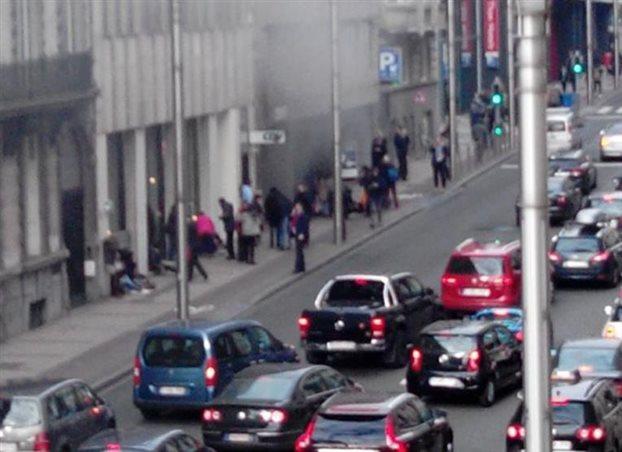 Βρυξέλλες: Εκρήξεις και σε σταθμούς του μετρό