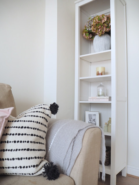 How to style an ikea hemnes bookcase shelf three ways. Home decor styling tips. Greenery and house plants, candles, books and accessories to create styled shelves.
