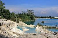 danau kaolin belitung
