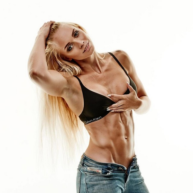 22-year-old Josefine Achen bikini fitness athlete