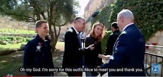 Bibi é o guia  do turista  três milhões