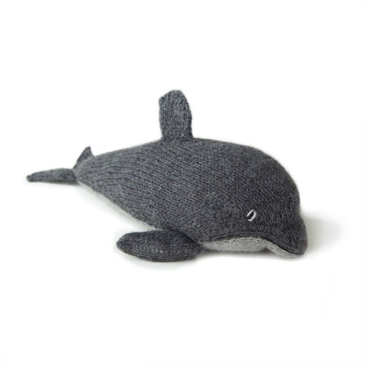 Knitted dolphin / Oeuf NYC