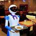 OMG!! इस होटल में नहीं है कोई वेटर, रोबोट गले में चुन्नी डालकर परोसते हैं खाना
