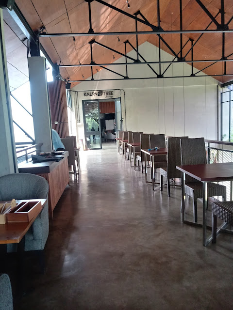 Café Kalpa Tree Bandung: Cafe Tematik Menyejukan
