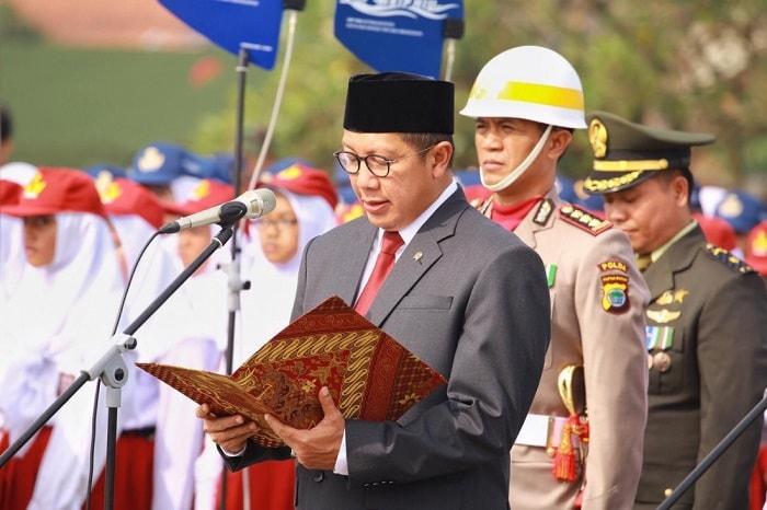 Menteri Agama Lukman Hakim Saifuddin memimpin doa upacara peringatan Hari Pahlawan yang di Doa Menag Saat Peringatan Hari Pahlawan 2018