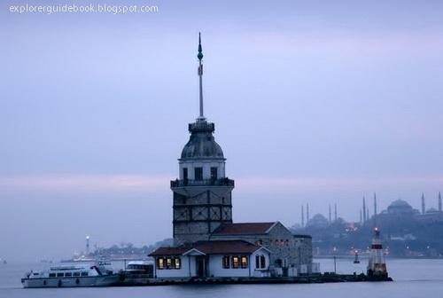 menara maiden's tower si selat bosphorus tempat syuting cinta di musim cherry di istanbul turki