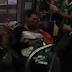 Ιρλανδοί …νανουρίζουν μωρό στο τρένο