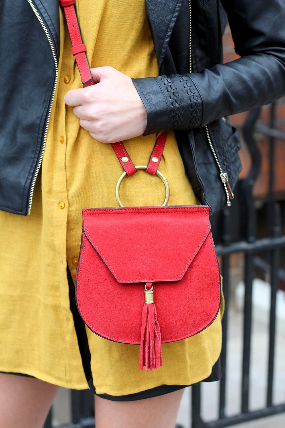 nastygal suede crossbody bag peexo blog